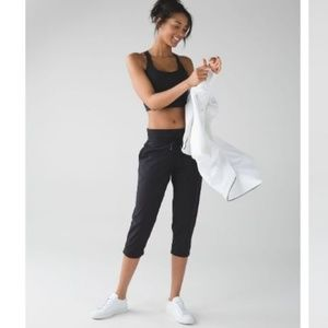 Lululemon Cropped Studio II Yoga Pants Black 8